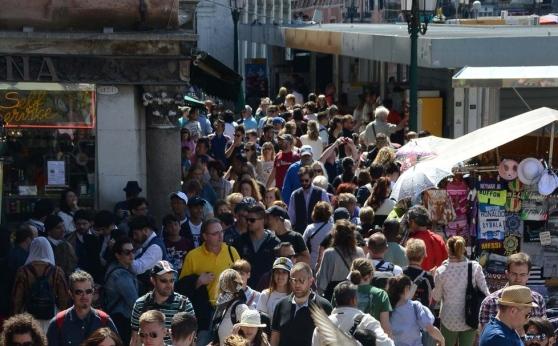 OvercrowdedVenice
