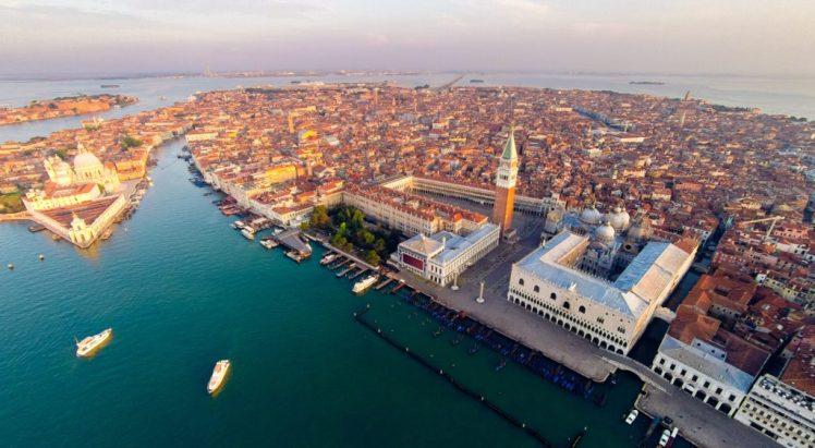 venezia dall'alto piazza san marco area marciana